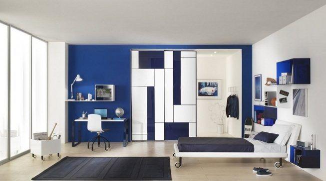 Pantone 18 – 3949 Dazzling Blue